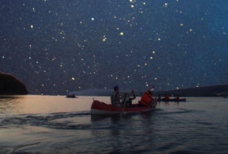 Kanufahrt vor Sternenhimmel.jpg