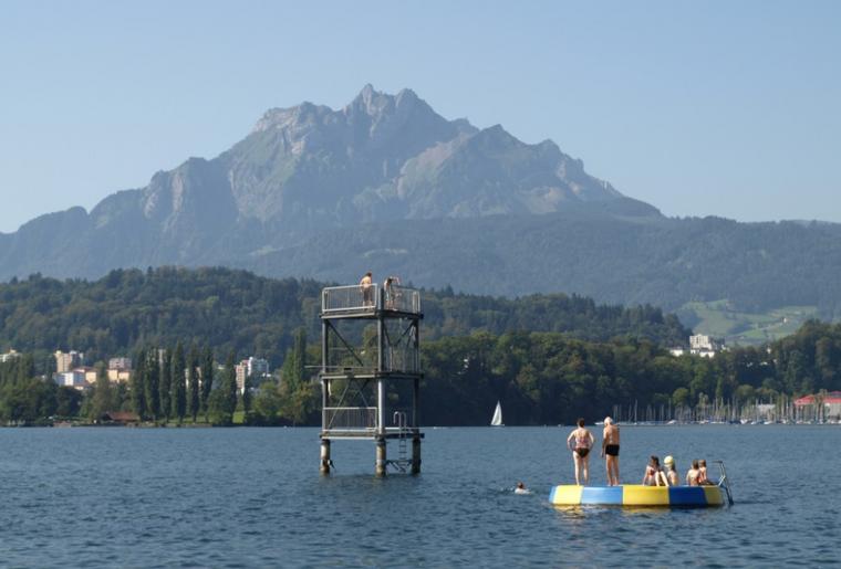 Sprungturm Lido Luzern.PNG