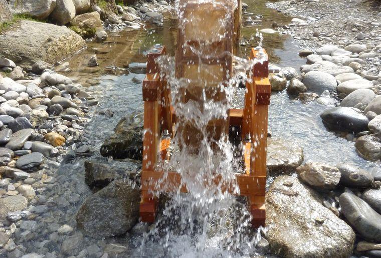 11_Wasserspielplatz_Wasserrad_2.JPG