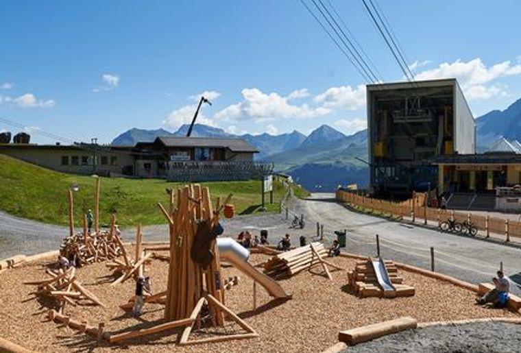 Spielplatz Bärenschule c Arosa Tourismus Nina Mattli.jpeg