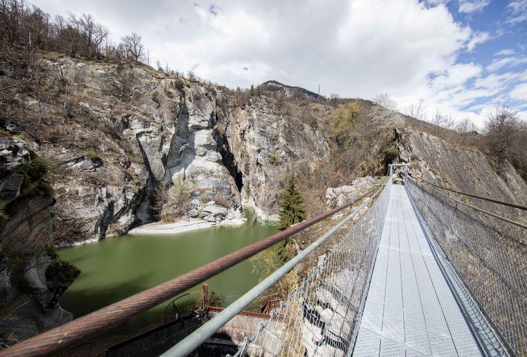 Hängebrücke-Massegga-von-Belalp-Blatten-Pascal-Gertschen (4).JPG