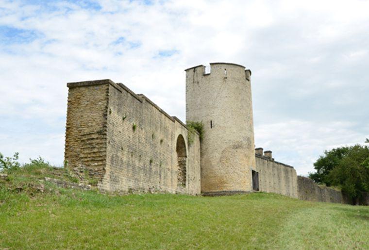 Stadtmauer Avenches.jpg