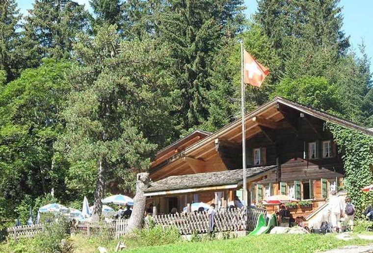 Restaurant Lauenensee.jpg