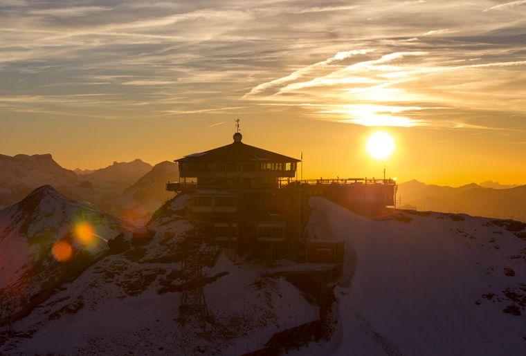 Schilthorn Piz Gloria Bern Oberland Jungfrau Sunset_1.jpg