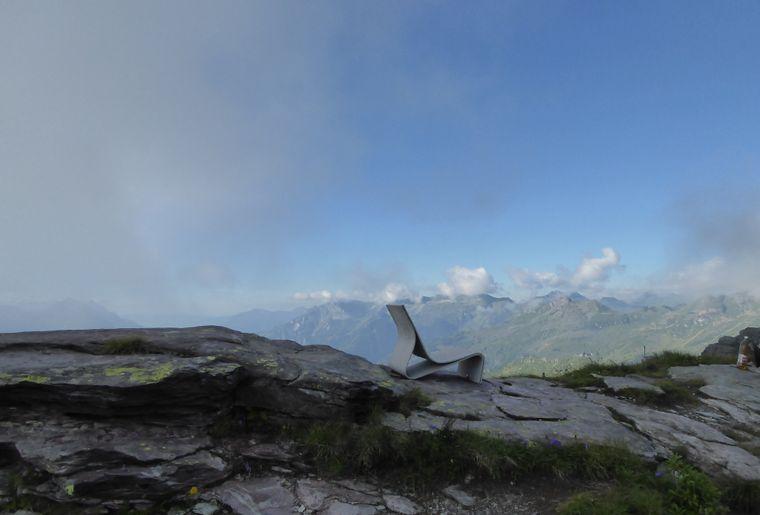 Leglerhütte Stuhl mit Aussicht.jpg