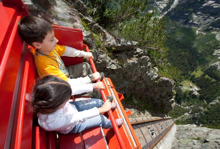 Gelmerbahn - Sommer in der Schweiz.jpg