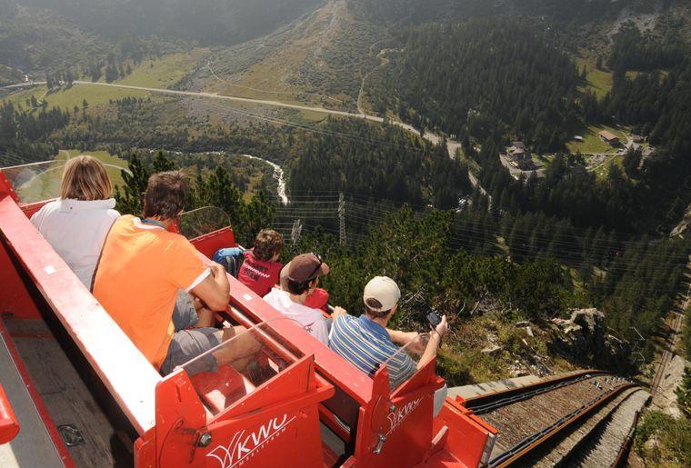 Gelmerbahn Rolf-Neeser - Sommer in der Schweiz 2.jpg