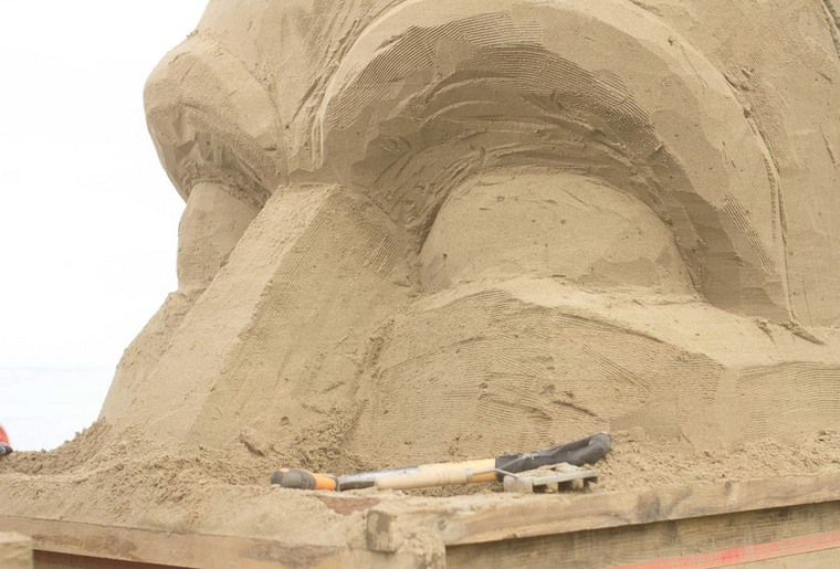 Sandskulpturen Rorschach 4.PNG