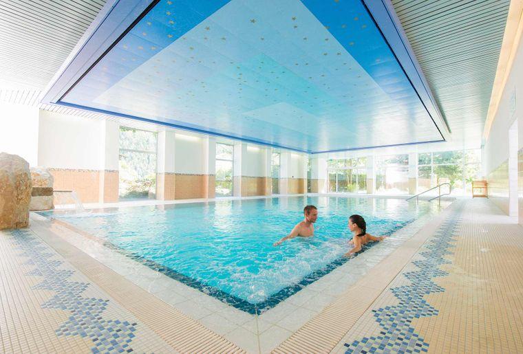Badehotel Salina Maris Schwimmbecken.jpg