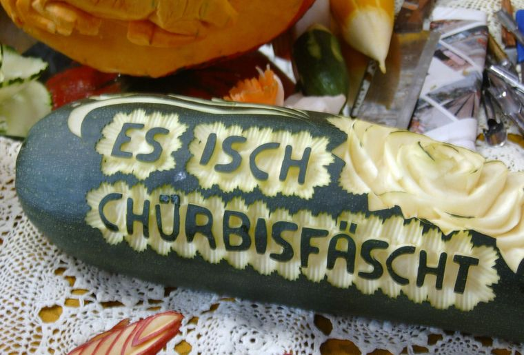 Kürbisfest Stöckweid geschnitzter Kürbis.jpg