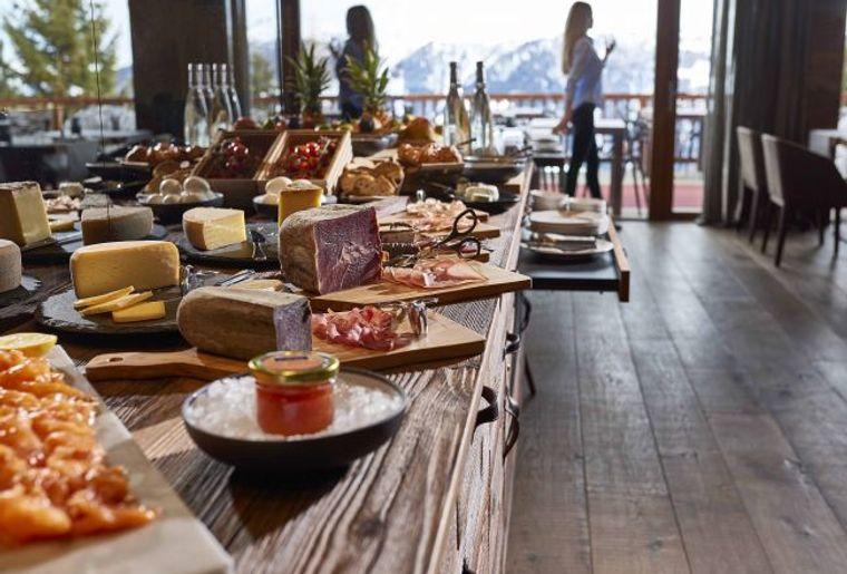 Chandolin Boutique Hotel Frühstück.jpg