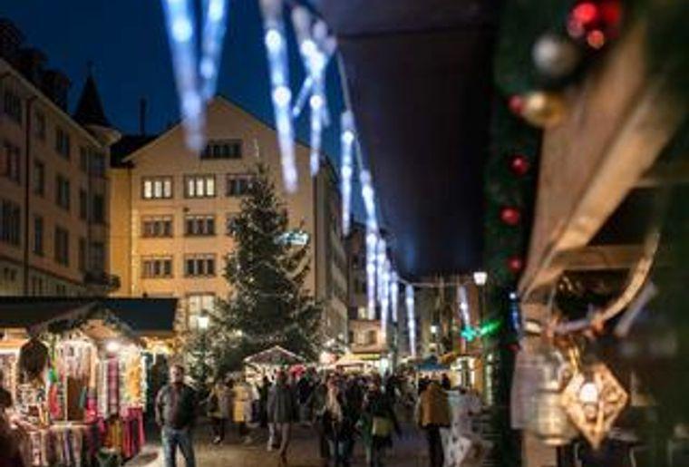 Dörfli Weihnachtsmarkt Zürich.jpg