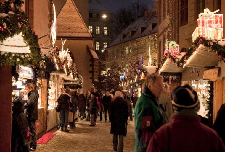 Weihnachtsmarkt Basel c Basel Tourismus.jpg