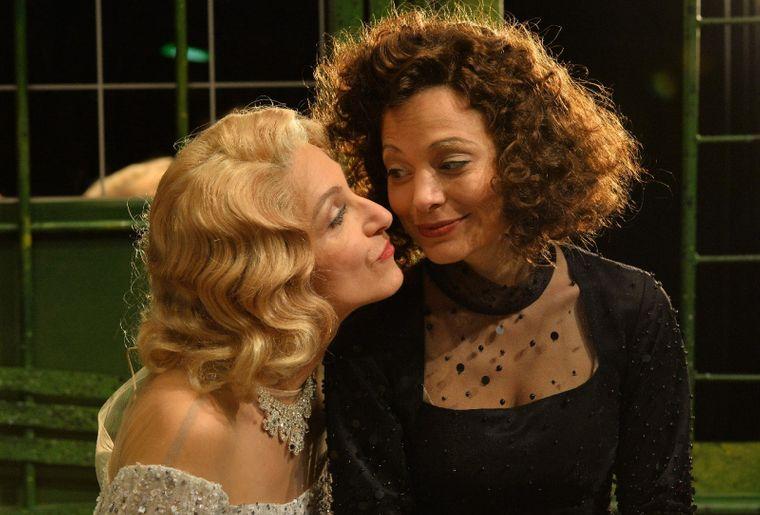 Edith Piaf und Marlene Dietrich.jpg
