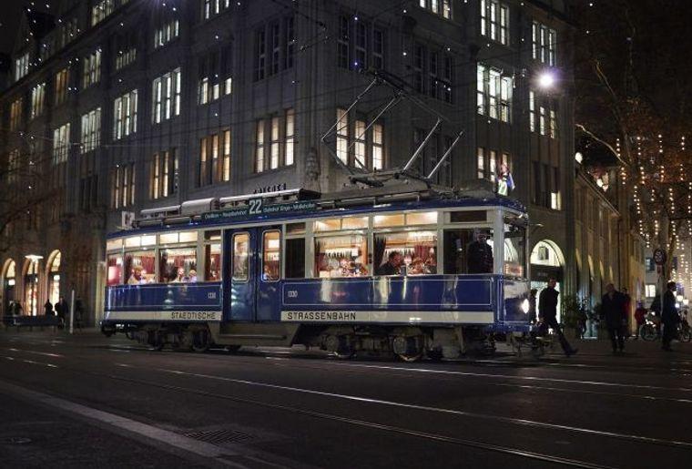 Fonduetram Zürich.jpg