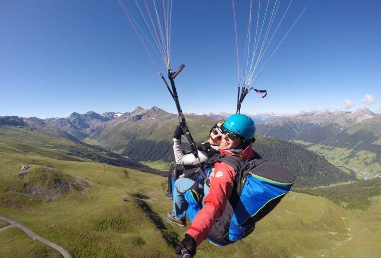 Joyride Paragliding Davos 005.JPG