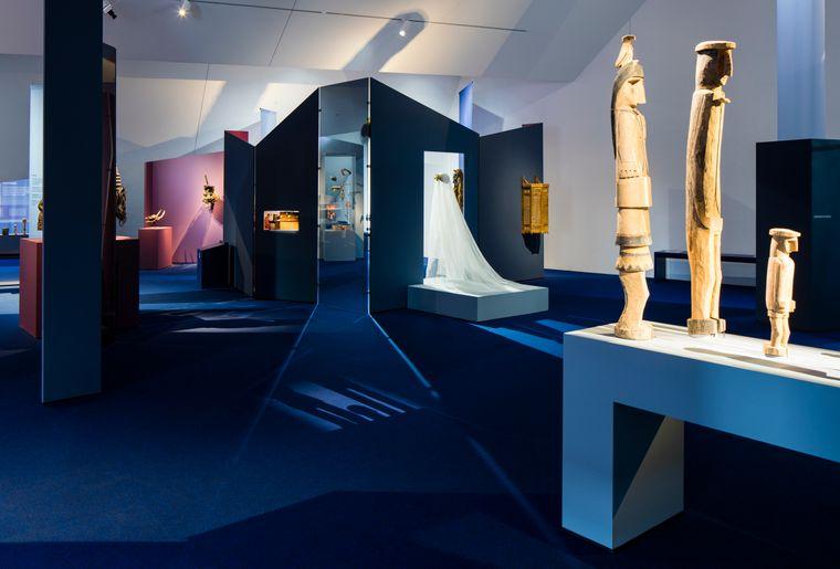 2 Blick in die Ausstellung.jpg