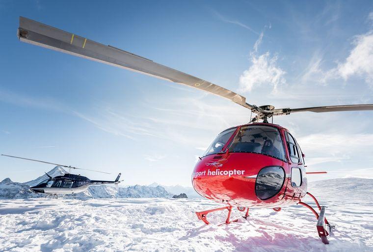 AS 350 B2 Ecureuil, HB-ZPF, Bell 206 Jet Ranger, HB-XXO, Alpenrundflug mit Gletscherlandung, Alpenflug, Helikopterflug,  Gletscherapéro,.jpg
