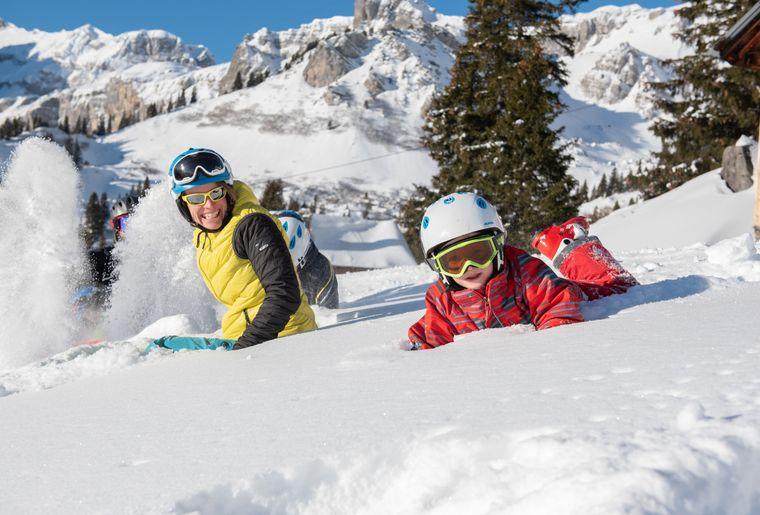 Ski_Braunwald_Familie_Schnee_Huettli_DSC_3390.jpg