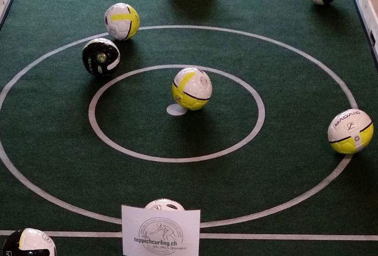 fussballcurling1.jpg
