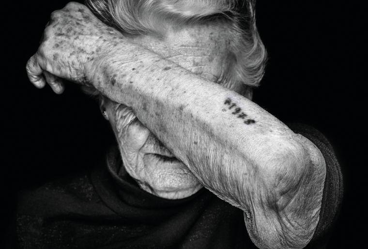 Ausstellung Holocaust Survivors Nina Weil.jpg