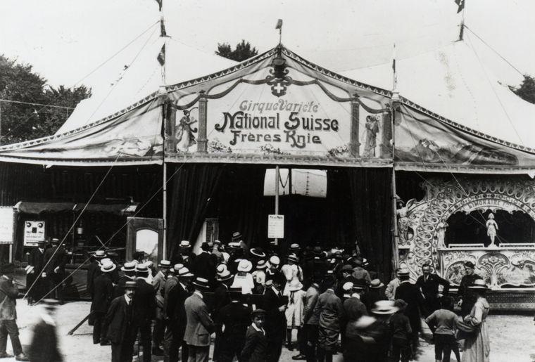Circus_Knie__4_Juni_1919_Eroeffnungsvorstellung.JPG