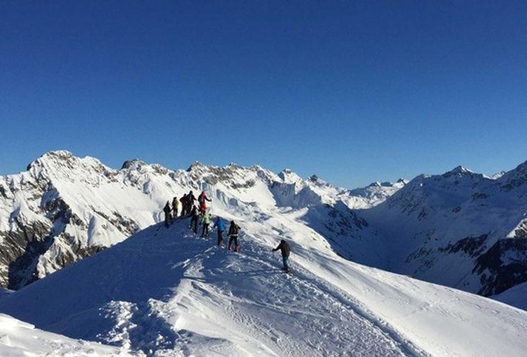 Schneeschuhtour Piz Darlux 2.jpg