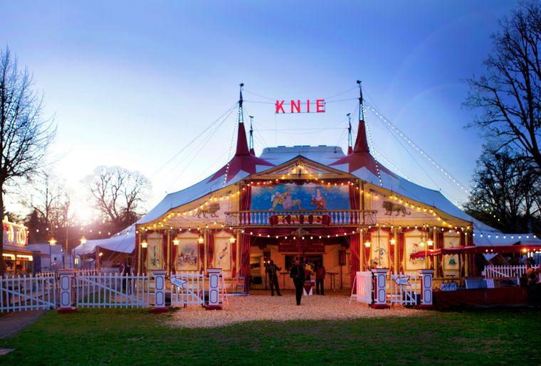 Zelt Schaffhausen c Circus Knie.jpg