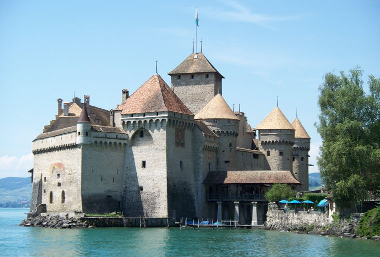 Chateau_de_Chillon_Castle,_Summer_2008.jpg