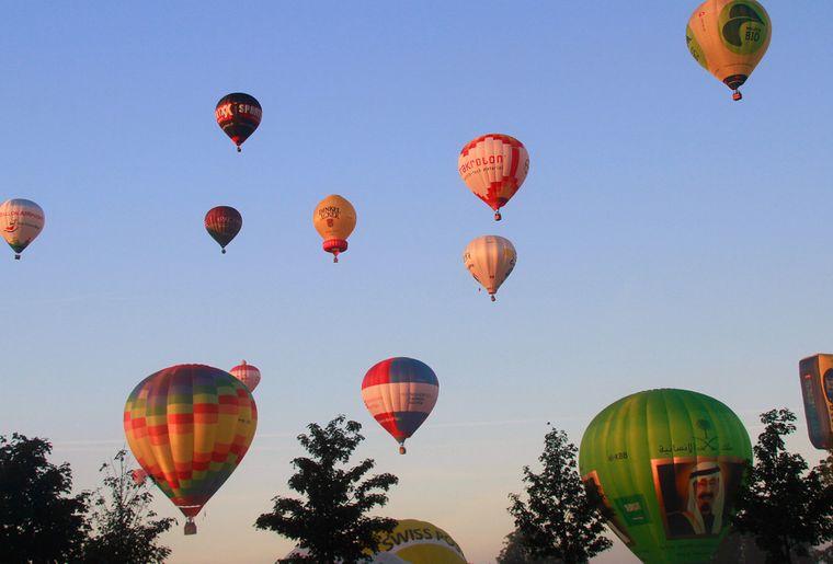 ballonfestival im europapark  rust  kalender  freizeitch