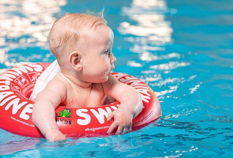 Baby_im_Schwimmtrainer.jpg