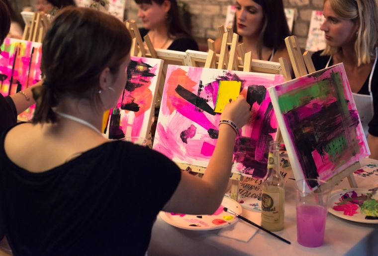 ArtNight_Event_Frauen_Bilder.jpg