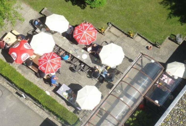 Café Hallenminigolf Olten.jpg