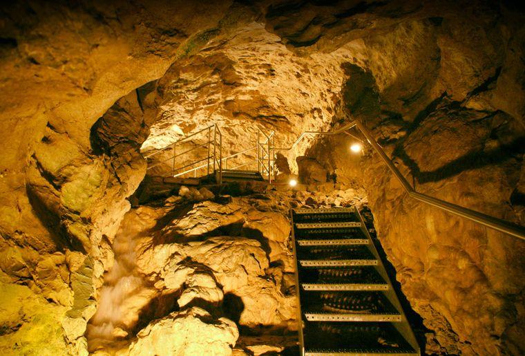 Kristallhöhle Kobelwald.jpg