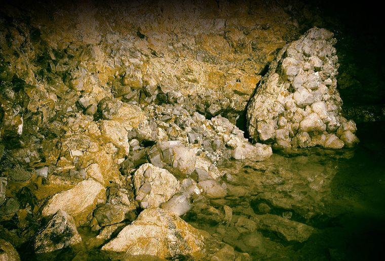 Kristallhöhle Kobelwald 3.jpg
