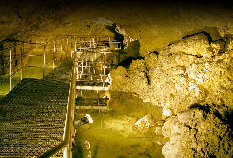 Kristallhöhle Kobelwald 4.jpg