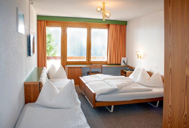 VAL_Chambre 030 Classic Family room w. Balcony.jpg