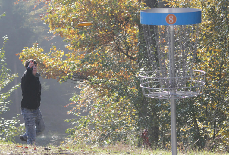Gut Hügle Discgolf.PNG
