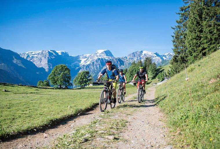 Bike-and-Bite-Braunwald-7_reference.jpg