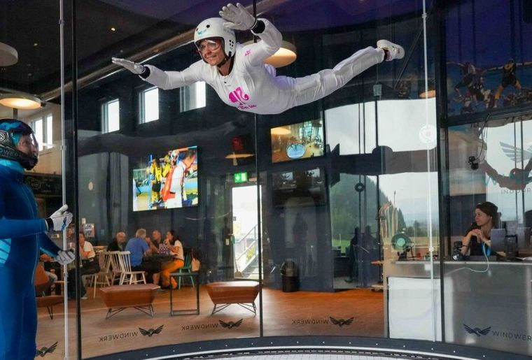 familienausflug-indoorskydiving-10-1200x0-c-default.jpg