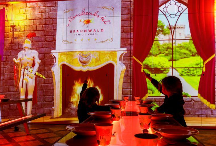 Märchenhotel Saal der Könige 10.jpg