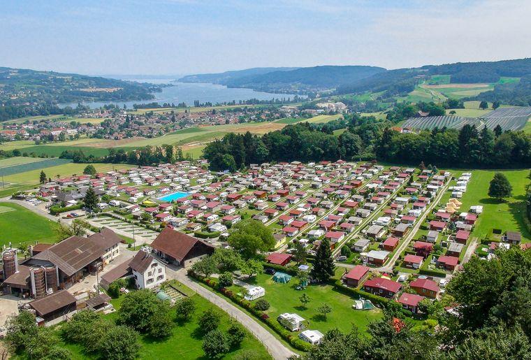 Eschenz_Camping_Huettenberg_Luftansicht.jpg