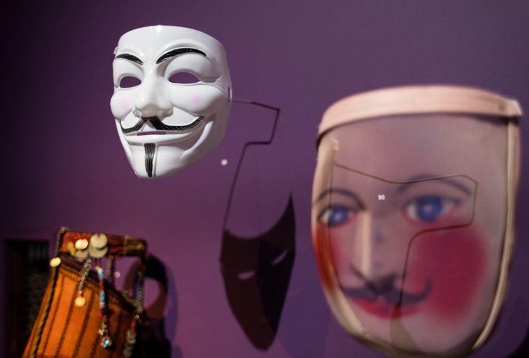 4 Blick in die Ausstellung.jpg