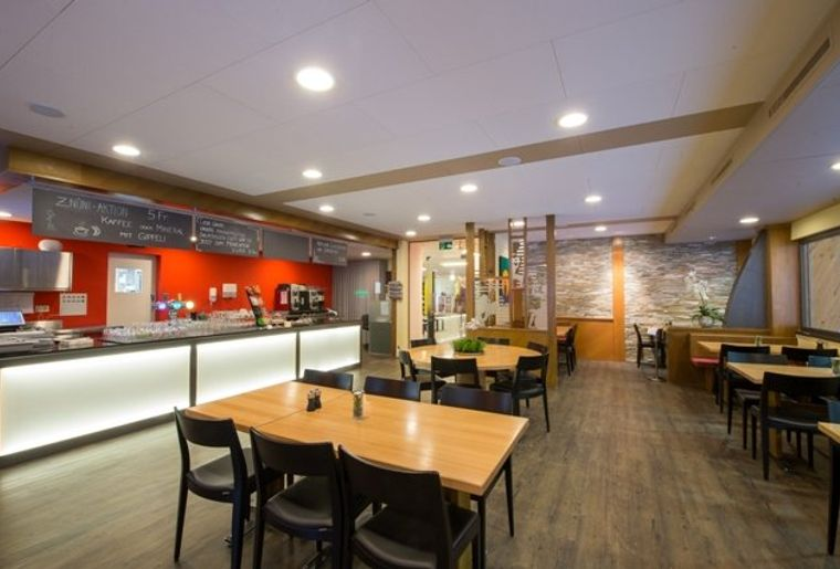 restaurant_102_1.jpg