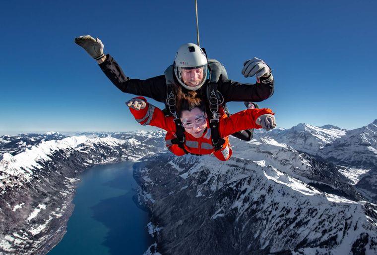 skydive-interlaken-berge-sprung-pure-adrenaline-freifall.jpg