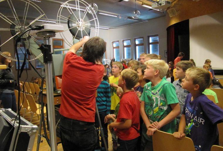 Schulvorführung in Fiesch VS (© Roadmovie Foto Ruedi Flück).jpg