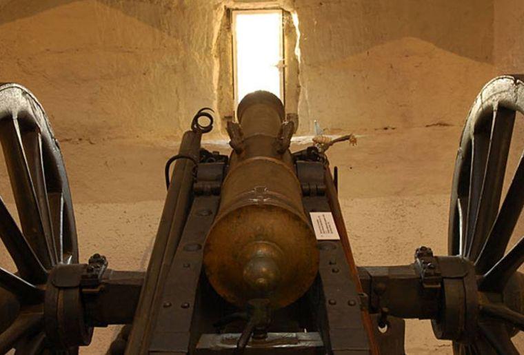 Schloss Morges Artillerie.jpg