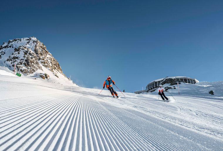 Skifahren-Bettmeralp-Aletsch-Arena-Christian-Pfammatter (1).jpg