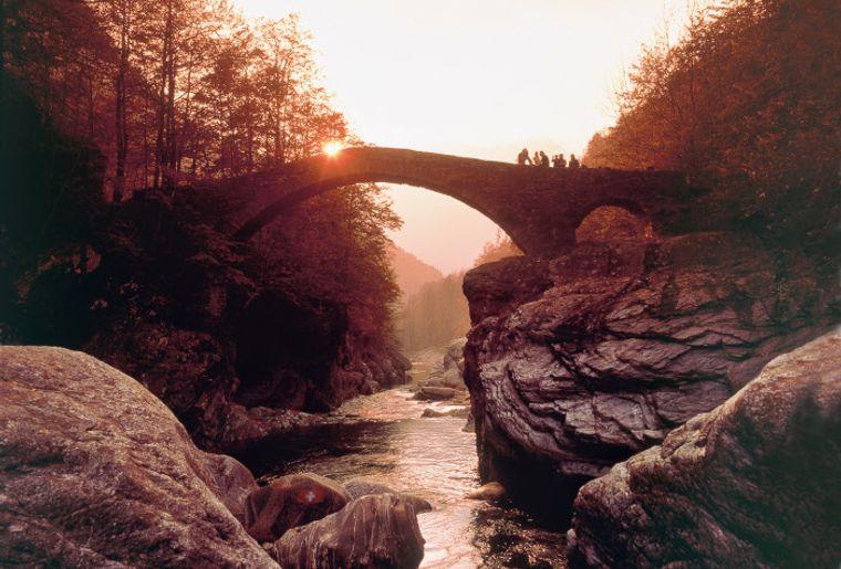 Valle Maggia low res - Herbst in der Schweiz.jpg