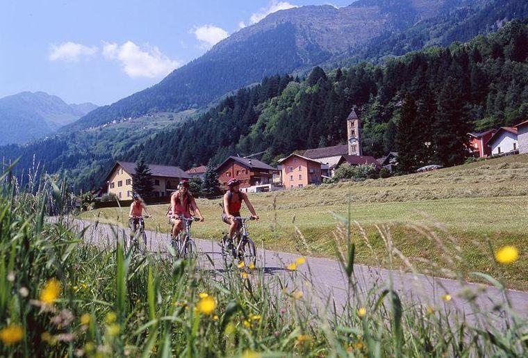 Gotthard Süd Velotour 2.jpg